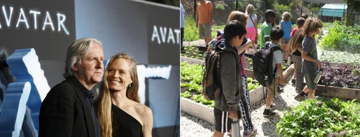 James Cameron amb la seva dona (vegans tots dos), i els alumnes de la seva escola