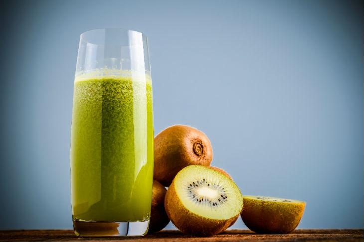 El kiwi és un ingredient excel·lent pels sucs verds