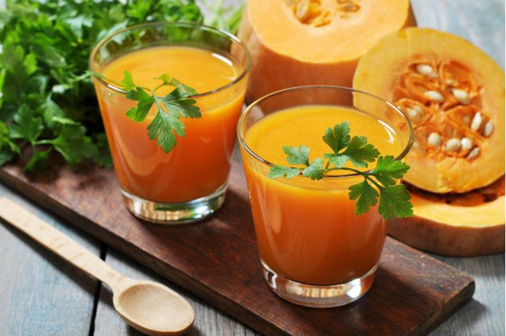 La carbassa té moltes aplicacions en medicina tradicionals. Per exemple, el seu suc s'utilitza per les cremades