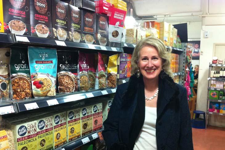 Renée Elliot dins un supermercat de Planet Organic de Londres