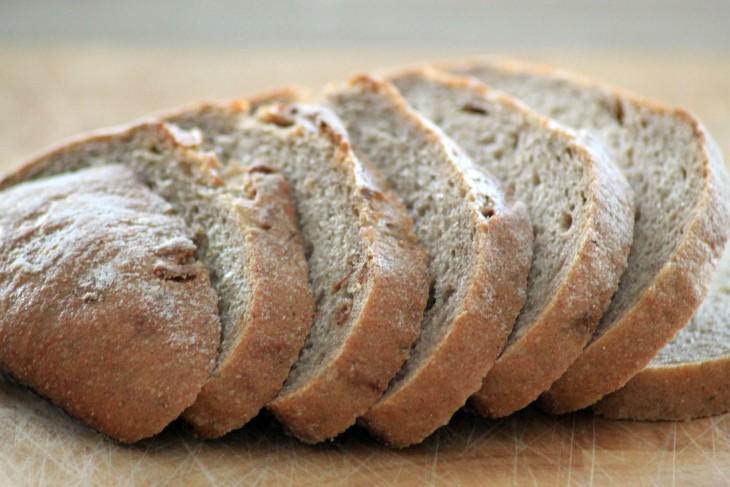 bread-882736_1920