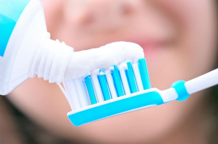 pasta de dents-730