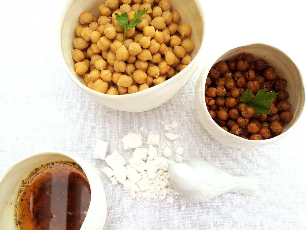 Crostons de cigrons, ingredients crema de xirivia i porro