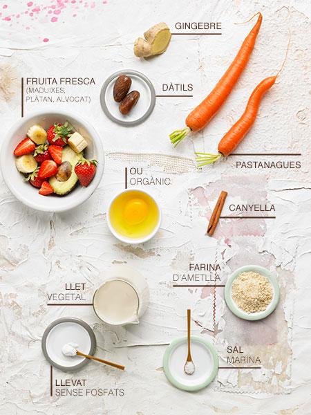 Pancake d'ametlla i smoothie de pastanaga i gingebre