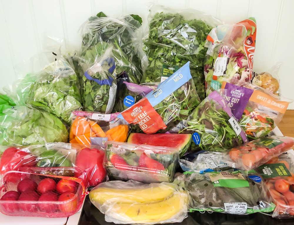 Fruites i verdures envasades en plàstic