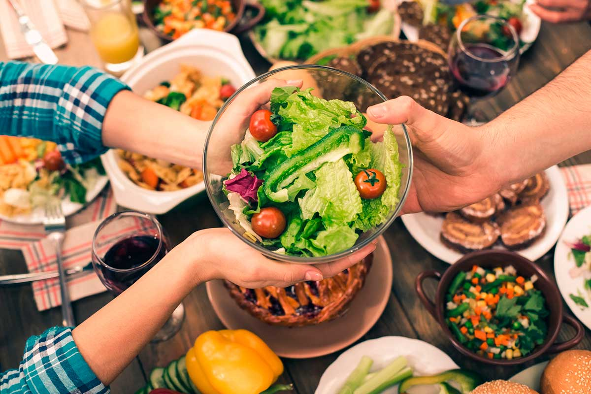 Sopar d'hora redueix el risc de càncer de mama i de pròstata