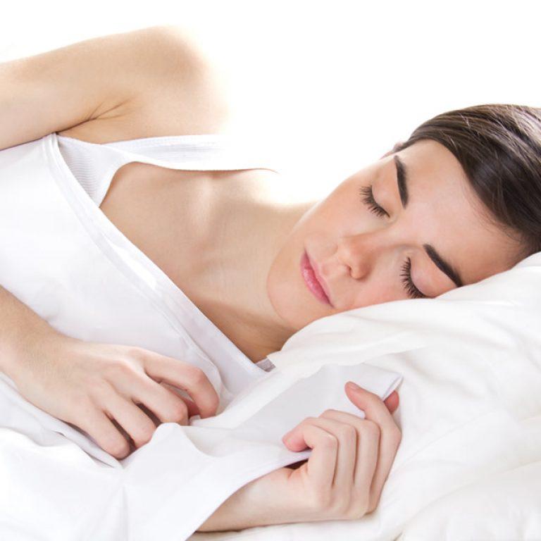 Com dormir bé, millorar el descans i llevar-se amb energia