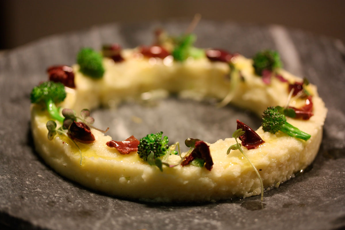 Brandada de coliflor amb envinagrats i olives
