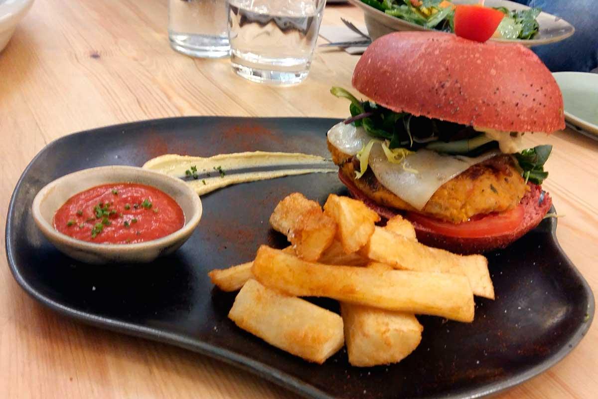 Hamburguesa vegana i saludable restaurant barcelona Odacova