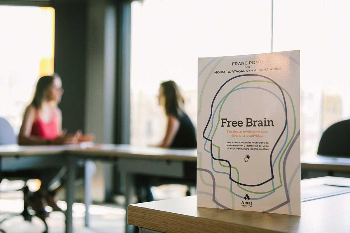 Free Brain Moira Bortagaray