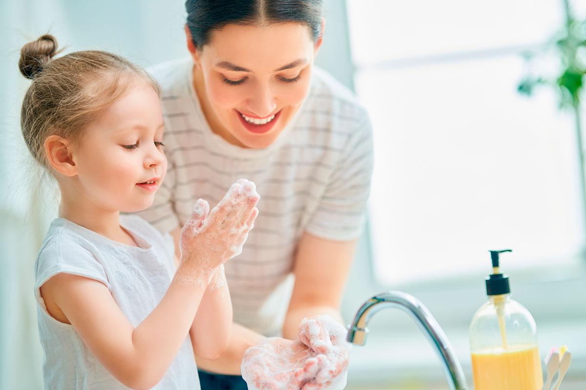 Rentar mans amb cosmètica natural