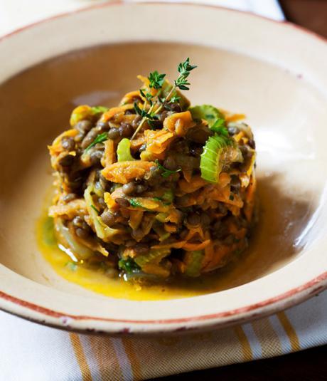 Estofat lleuger de llentia du Puy i verduretes