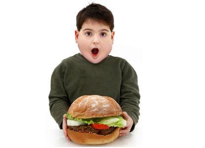 Els mals hàbits alimentaris, causa de l'obesitat infantil