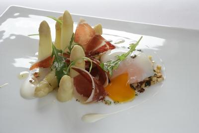 El rovell d'ou cuinat per Jordi Cruz al restaurant Angle
