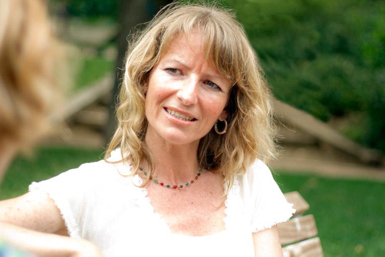 Susana Boulton, Cosmetic Beauty Shopper