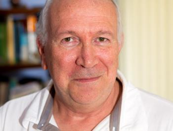 Doctor Santos Martín, especialista en oncologia, medicina natural i homeopatia