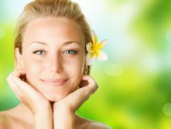 Rejoveniment facial amb tractaments manuals