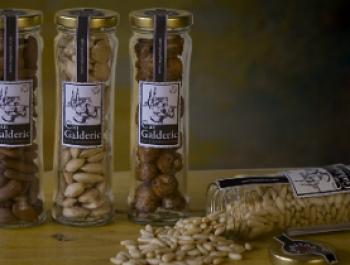 Can Galderic: fruita seca ecològica, fruit d'una dolça convicció