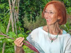 Olga Cuevas, Dra. en Bioquímica, autora de dos llibres divulgatius d'alimentació saludable i de tractaments naturals