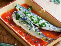 Sardines amb salsa de tomàquet