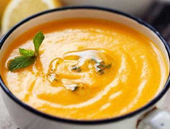Crema de carbassa i llenties vermelles amb gingebre