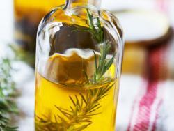Oli de romaní amb suc de llimona, depuratiu hepàtic