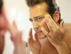 Els homes també es cuiden la pell
