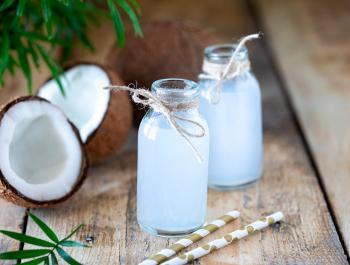 L'aigua de coco, la millor alternativa per a aquest estiu