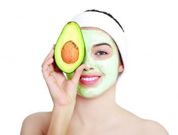 Podem eliminar les taques de la pell a través de l'alimentació?