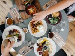 Què demanar per beure i menjar fora de casa que sigui saludable?