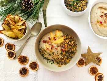 Cremós puré de xirivia, nap, pera i anacards amb tempeh macerat