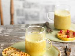 Cúrcuma Latte amb rosquilles de poma