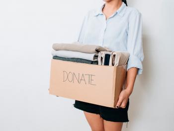 Veritas ofereix un servei gratuït de recollida de roba a domicili