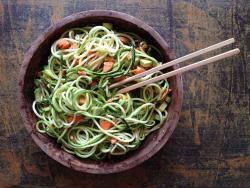 Espaguetis de carbassó, un sopar improvisat 100% saludable i nutritiu
