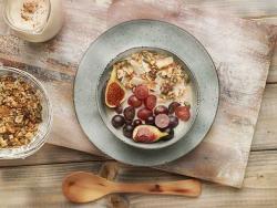 Granola sense cereal amb fruita del temps