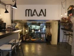 MAAI, un menú de migdia 100% saludable, gurmet i assequible al cor de Sant Gervasi