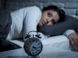 Per què dormir malament engreixa?