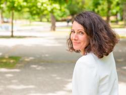 Viure en veïnats amb més zones verdes podria retardar l'aparició de la menopausa 1,4 anys
