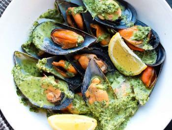 Musclos amb salsa verda