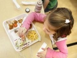 Prohibida la brioixeria industrial i els refrescos a les escoles