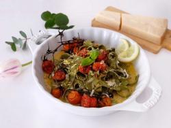 Tallarines amb salsa carbonara vegetariana