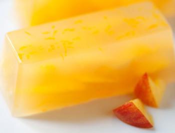 Gelatina de préssec amb aroma de taronja