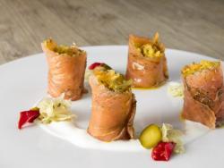 Rotllets de salmó amb xucrut especial