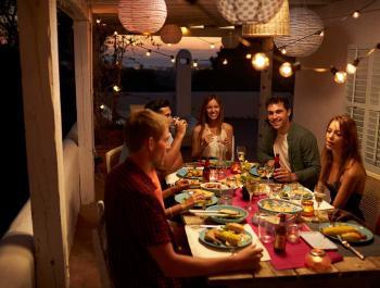 L'ABC dels sopars saludables d'estiu amb amics