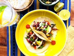 Tacos-tempeh de cigrons; dolços i picants en un equilibri just. Una delícia per als ossos!